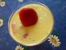Pudding mit frischen Erdbeeren - Rezept
