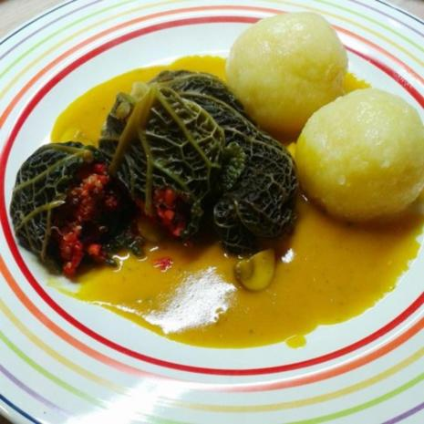 wirsing quinoa roulade an kurkuma sauce mit kl en rezept. Black Bedroom Furniture Sets. Home Design Ideas