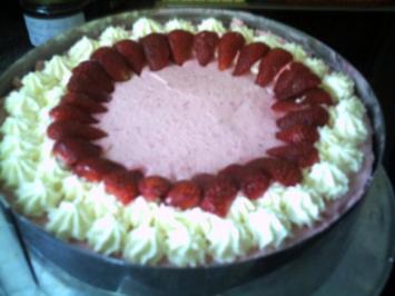 Erdbeere-Quark-Sahne-Torte - Rezept