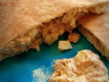Pita-Brote mit Thunfisch-Füllung; schneller gesunder mediterraner Snack mit leckerer Creme - Rezept