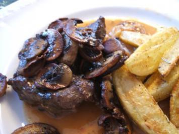 Fleisch: Kalbsbäckchen geschmort mit Wildkräuterbutter-Champignons - Rezept - Bild Nr. 4