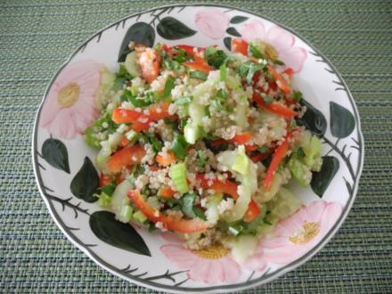 Bunter Quinoa - Salat mit Löwenzahn - Rezept