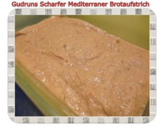 Brotaufstrich: Scharfer mediterraner Brotaufstrich - Rezept