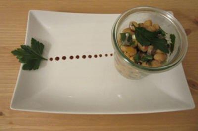 Kichererbsen-Feta-Salat mit Apfelessig & Olivenöl - Rezept
