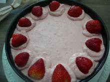 Rhabarber - Erdbeere - Torte mit einer besonderen Note. - Rezept
