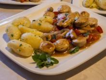Bayern-Gulasch mit Petersilienkartoffeln - Rezept