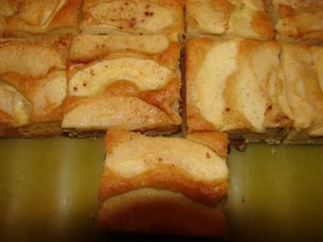 Saftiger Apfelkuchen mit Guss - Rezept