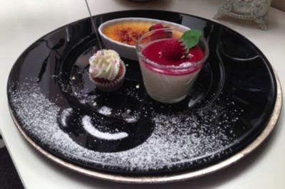 Dreierlei – Crème Brulée, Pannacotta mit Himbeertopping und Mini Carot Cupcake - Rezept