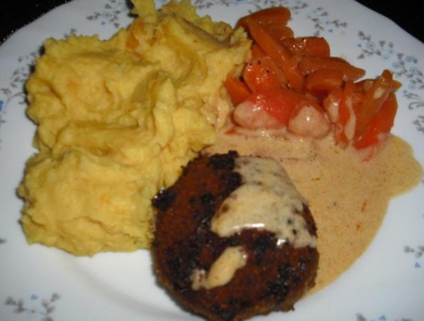 Buletten mit Rahmsauce, Currykartoffelstampf und Möhrengemüse - Rezept - Bild Nr. 5