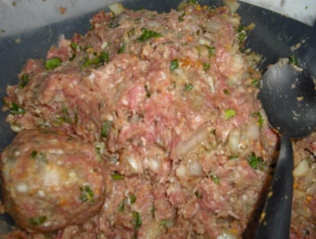 Buletten mit Rahmsauce, Currykartoffelstampf und Möhrengemüse - Rezept - Bild Nr. 2