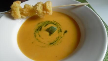 Kürbis-Orangen-Suppe mit Minzöl und Mozzarella-Spieß - Rezept - Bild Nr. 101