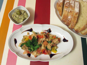 """Panzanella"" (ital. Brotsalat) mit Brot und Dip - Rezept - Bild Nr. 47"