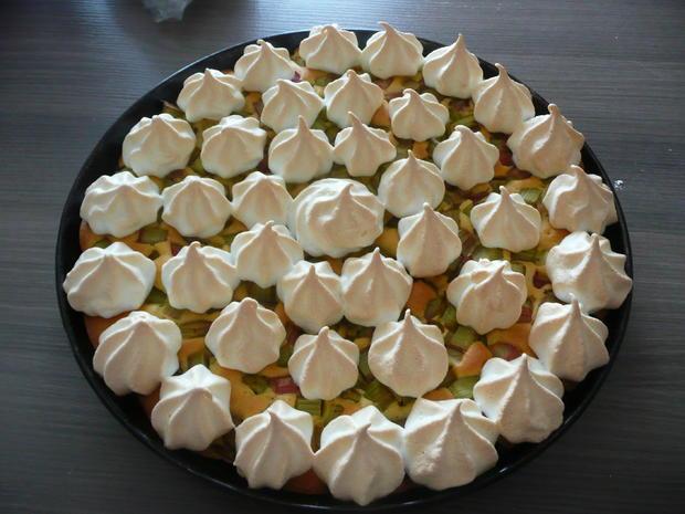 Rhabarberkuchen mit Baiser  - Rezept - Bild Nr. 25