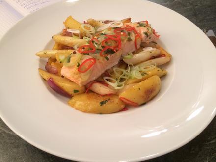 Spargel-Kartoffel-G'röstl mit gedämpftem Lachs (oder mit gebackener Hähnchenbrust) - Rezept - Bild Nr. 34