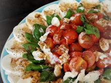 Vorspeise, Salat: Tomaten und Mozzarella mit Meerrettich; Caprese mal anders; - Rezept - Bild Nr. 282