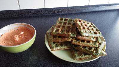 Rezept: Spinatwaffeln mit Dip