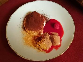 Haselnuss-Eis auf Himbeerspiegel und Tiramisu - Rezept - Bild Nr. 24