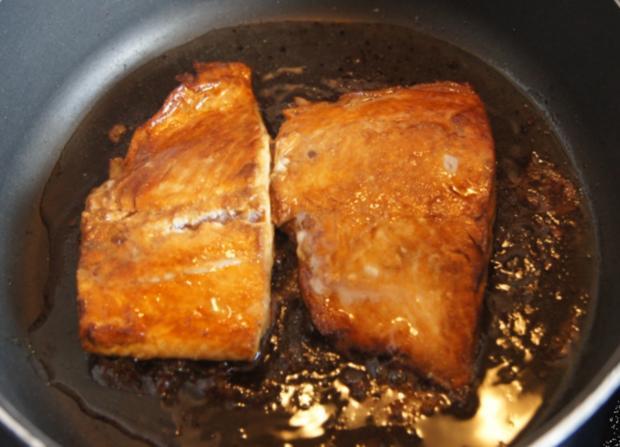 Lachsfilet mit Rahm-Spinat und Curry-Kartoffelpilzen - Rezept - Bild Nr. 57