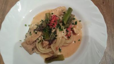 Spaghetti mit Lachs, grünem Spargel und Cherrytomaten in Zitronensahnesoße - Rezept - Bild Nr. 303