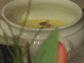 Terlaner Weinsuppe mit Safran- und Zimtcroutons (Elisabeth Gürtler) - Rezept - Bild Nr. 314