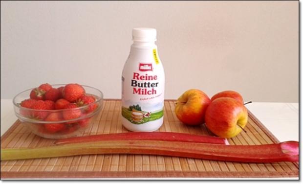 Erdbeer-Rhabarber-Äpfel Milchshake - Rezept - Bild Nr. 329