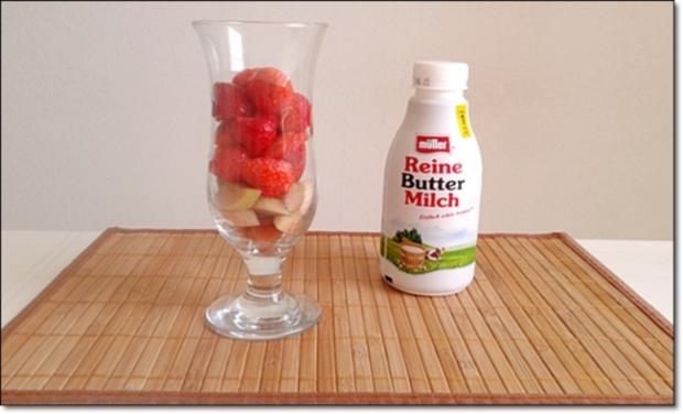 Erdbeer-Rhabarber-Äpfel Milchshake - Rezept - Bild Nr. 332