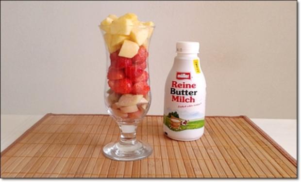 Erdbeer-Rhabarber-Äpfel Milchshake - Rezept - Bild Nr. 333