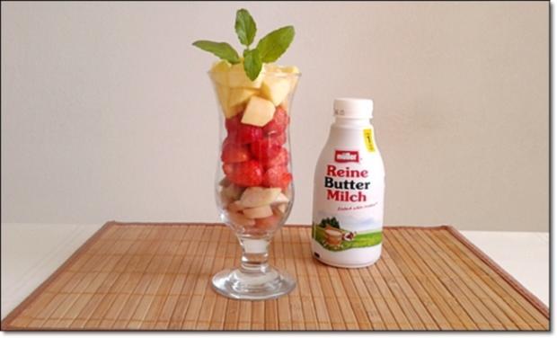 Erdbeer-Rhabarber-Äpfel Milchshake - Rezept - Bild Nr. 334