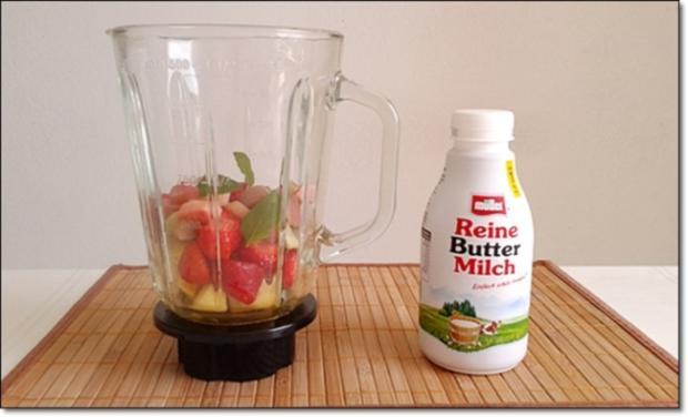 Erdbeer-Rhabarber-Äpfel Milchshake - Rezept - Bild Nr. 336