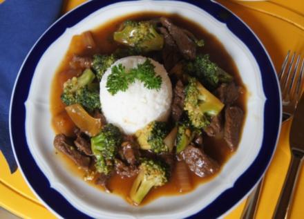 Rindfleisch-Brokkoli-Wok mit Reis - Rezept - Bild Nr. 550