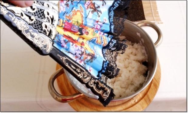 Sushi mit Surimi, Avocado und Gurke gefüllt - Rezept - Bild Nr. 1698