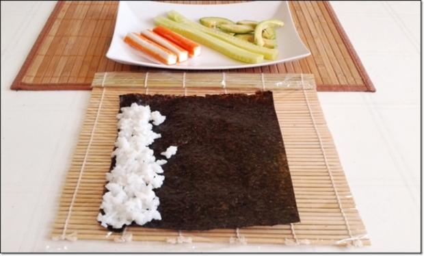 Sushi mit Surimi, Avocado und Gurke gefüllt - Rezept - Bild Nr. 1699