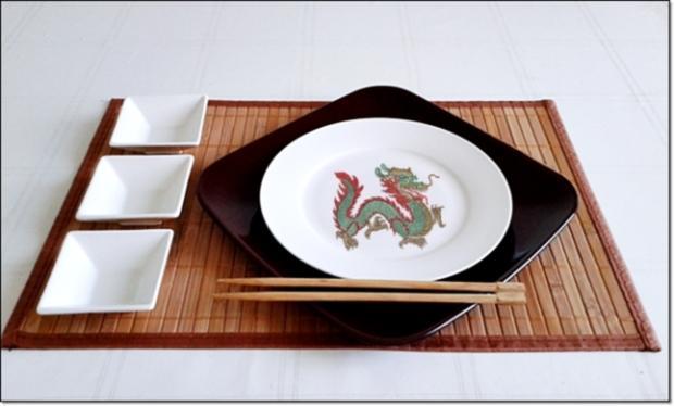 Sushi mit Surimi, Avocado und Gurke gefüllt - Rezept - Bild Nr. 1712