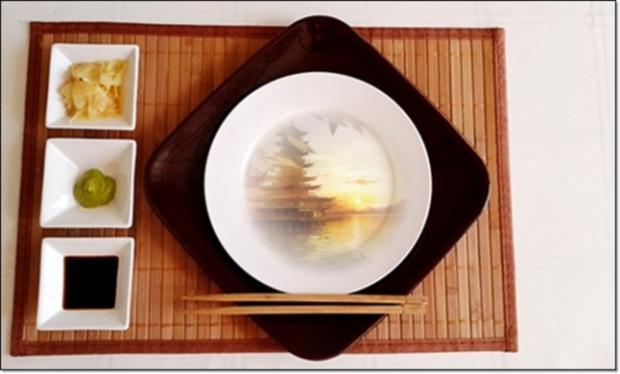 Sushi mit Surimi, Avocado und Gurke gefüllt - Rezept - Bild Nr. 1714
