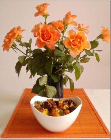 Ein sommerlicher Salat aus verschiedenen Obstsorten mit Quinoa - Rezept - Bild Nr. 1700