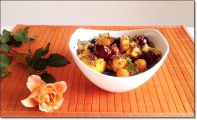 Ein sommerlicher Salat aus verschiedenen Obstsorten mit Quinoa - Rezept - Bild Nr. 4365