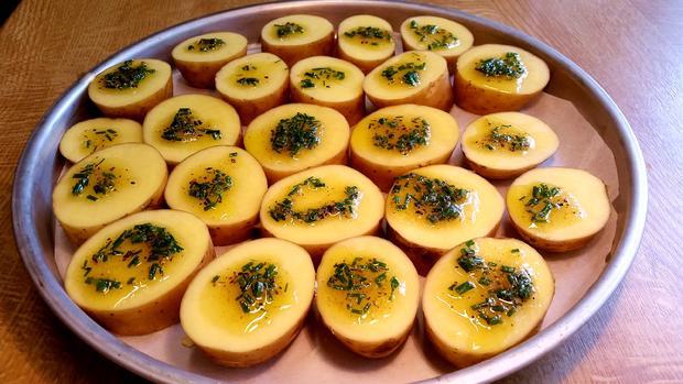 Herzhafte Kartoffeln vom Backblech ... - Rezept - Bild Nr. 328