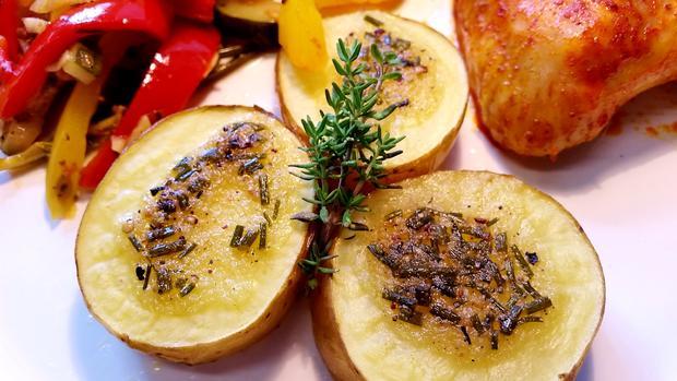 Herzhafte Kartoffeln vom Backblech ... - Rezept - Bild Nr. 330