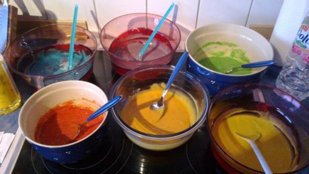 Regenbogenkuchen Leckerer Bunter Kuchen Das Richtige Fur Ein