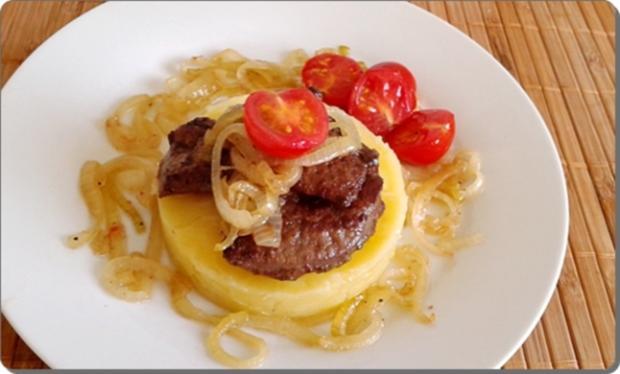 Gebratene Rinderleber auf   Kartoffel-Türmchen - Rezept - Bild Nr. 522