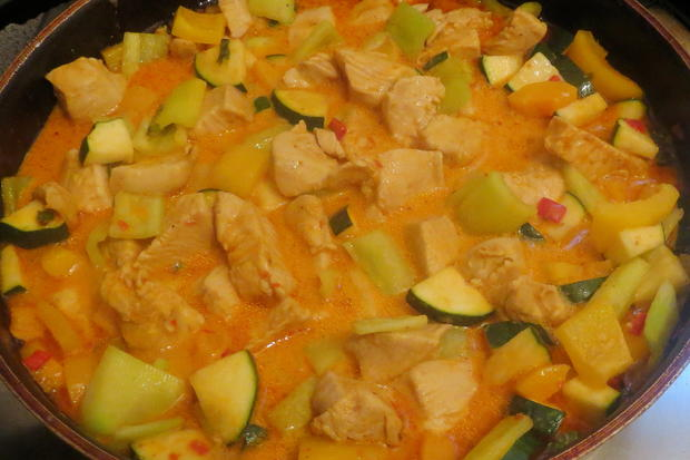 Kochen kokos h hnchen pfanne fruchtig scharf rezept for Kochen 5 personen