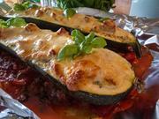 Zucchinischiffe mit Ragoutfüllung von der Pute im Tomatensoße - Rezept - Bild Nr. 636