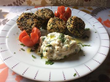 Falafel mit Ricotta-Limetten-Dipp - Rezept - Bild Nr. 934