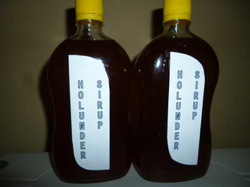 Rezept: Holunderblüten Sirup mit Honig