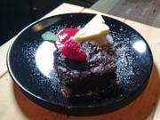 Brownies auf Himbeerspiegel mit Panna Cotta Vanilleeis - Rezept - Bild Nr. 1146