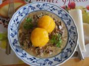 Kürbis-Kartoffel-Knödel mit Steinpilzragout - Rezept - Bild Nr. 1416