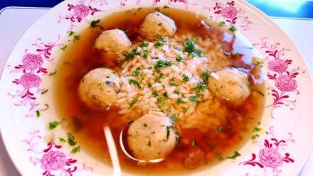 Klare Ochsenschwanzsuppe mit Markklößchen** und Reis - Rezept - Bild Nr. 1417