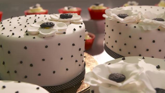 Red Velvet Cake Tortendesign Zum Angeben Kochbar De