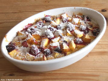 Rezept: Pfannkuchenauflauf mit Nektarinen