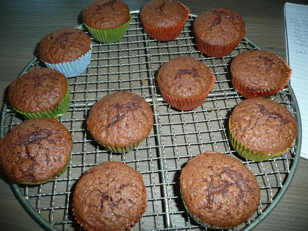 Schoko - Nuss - Kirsch- Muffins 12 Stück - Rezept - Bild Nr. 1590